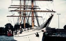 三桅帆船图片