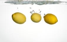 入水柠檬图片