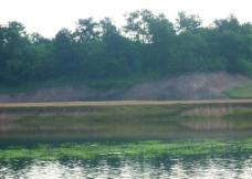 那板水库青山绿水图片