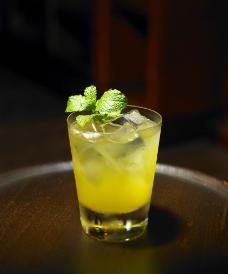 柠檬味鸡尾酒图片