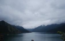 天池山水图片