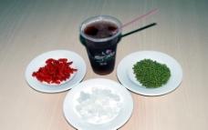 冰糖枸杞绿豆汤图片