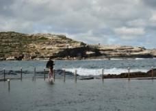 海边垂钓图片