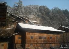 山区小木楼图片