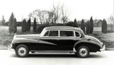奔驰古董车图片