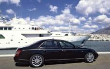 超级名车迈巴赫和游艇图片